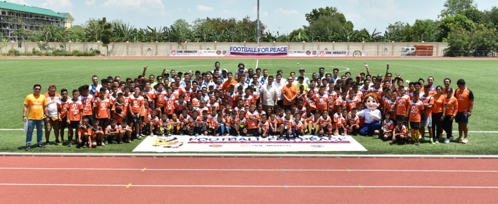 The participants of Football for Peace 2017.