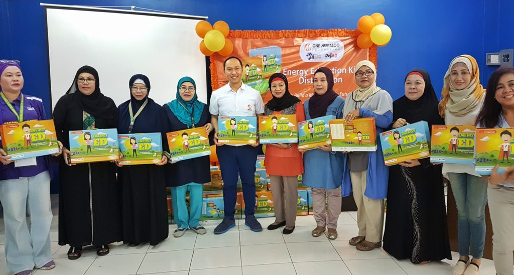 ENERGY ED KITS FOR MARAWI STUDENTS. Teachers from various public schools in Cagayan de Oro, Iligan, Marawi and the ARMM receive their EnergyEd kits from OMF.
