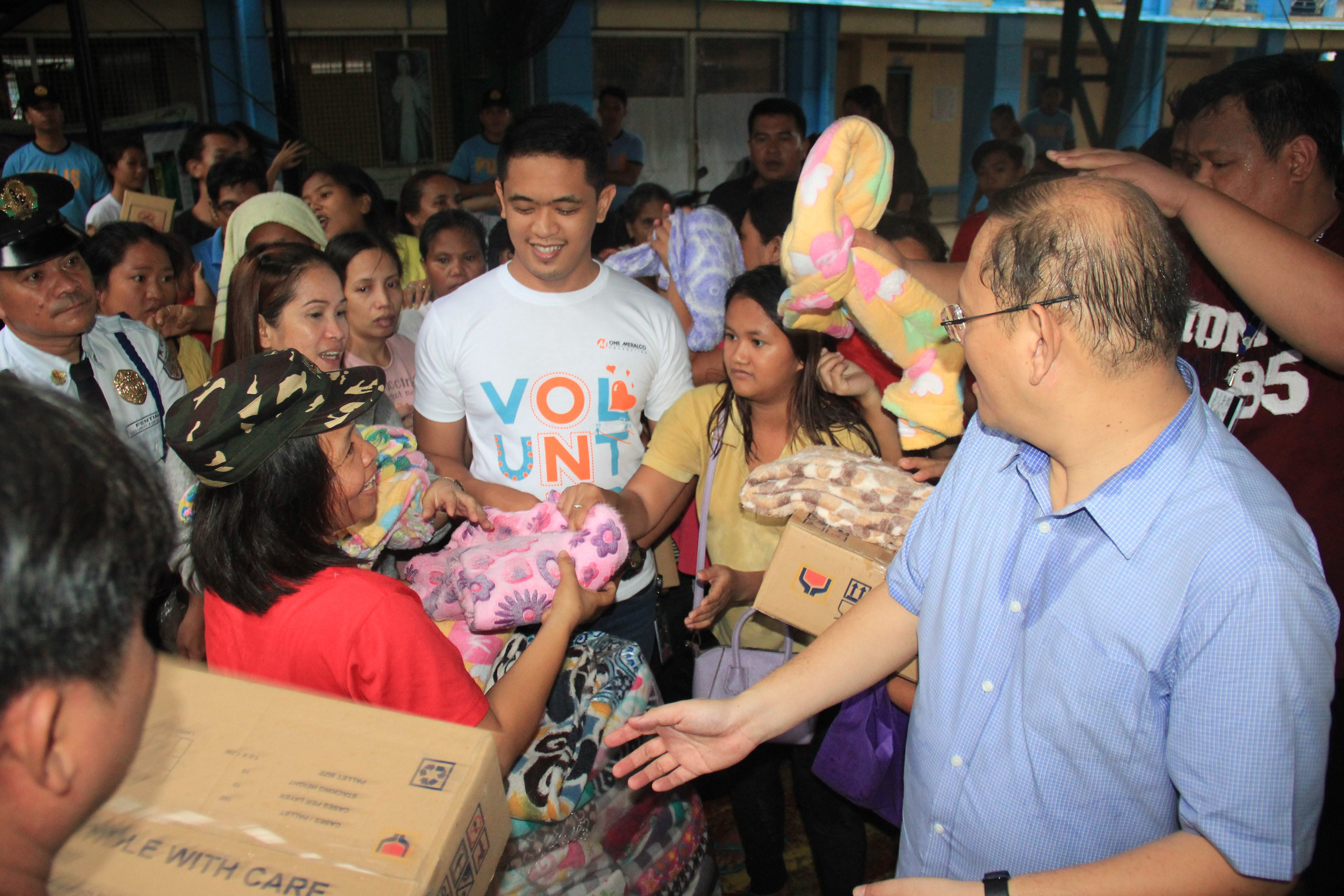 Meralco brings relief to flood victims in Metro Manila